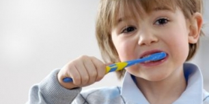 Children's Dentist - Brushing teeth for a healthy smile